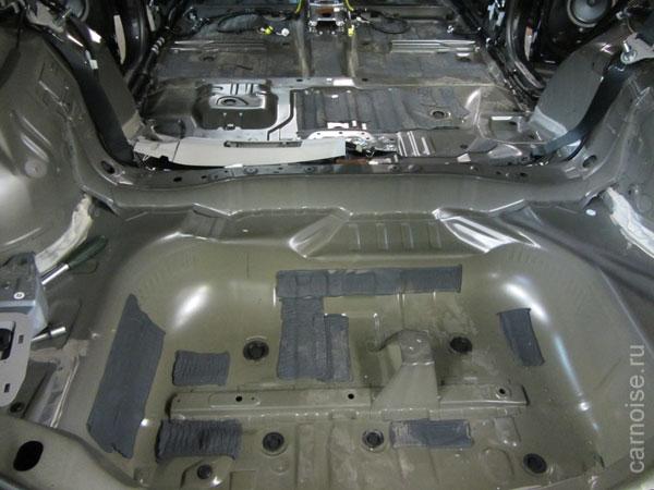 Установка шумоизоляции на Toyota RAW4